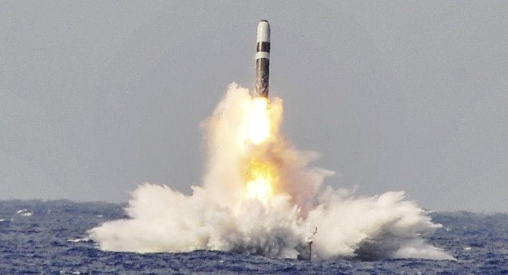 Wystrzał rakiety balistycznej Trident II D5