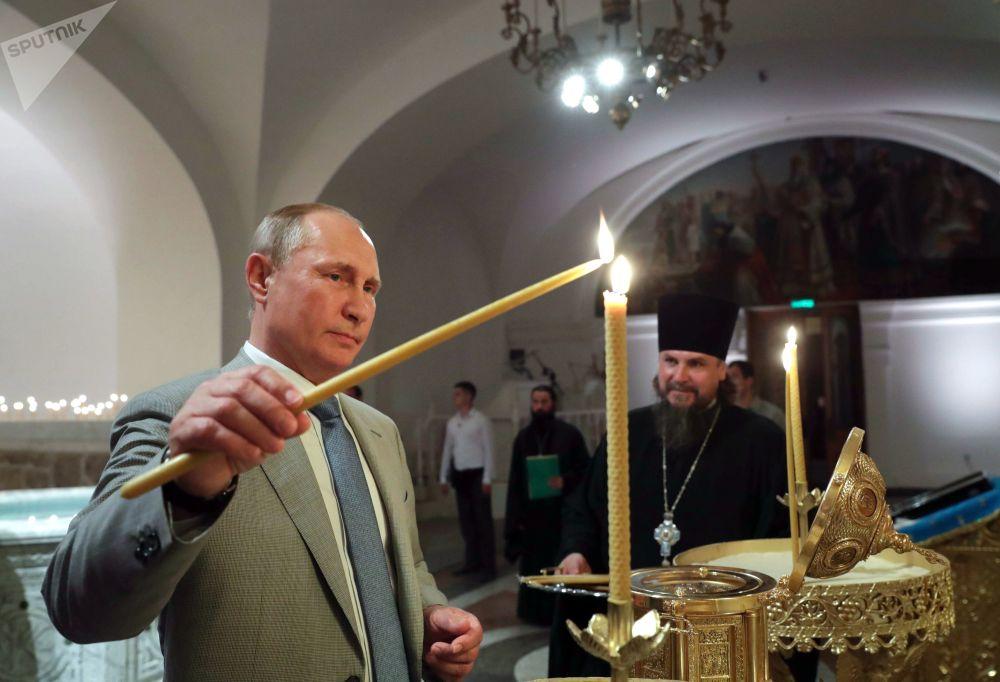 Władimir Putin podczas poświęcenia Katedry św. Włodzimierza w Chersonezie