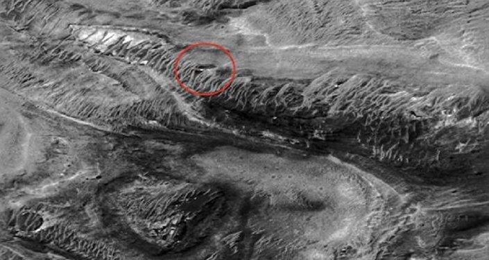 Baza kosmitów na Marsie