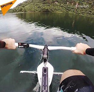 Na tym rowerze można szaleć na falach
