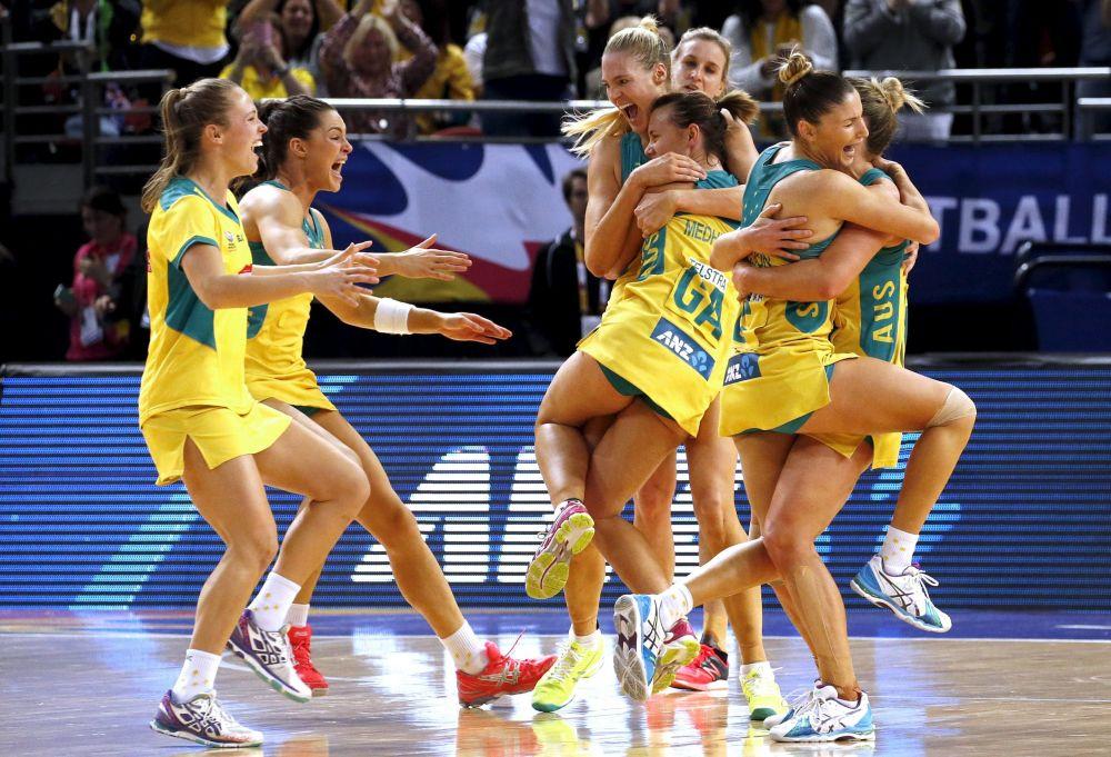 Australijska drużyna netballu zwyciężyła z drużyną Nowej Zelandii w finale Mistrzostw Świata