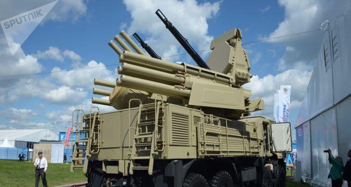 """Przeciwlotniczy zestaw artyleryjsko-rakietowy """"Pancyr-S1"""
