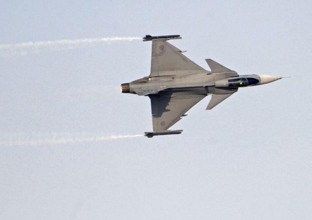 Szwedzki wielozadaniowy myśliwiec czwartej generacji Saab JAS 39 Gripen