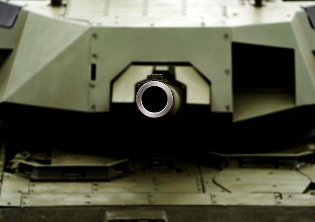 Czołg T-14 Armata na wystawie Armia Rosji - jutro w ramach IV Międzynarodowego Forum Wojskowo-Technicznego Armia-2018 w Kubince