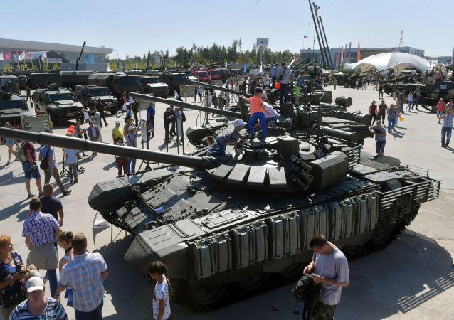 Wystawa sprzętu wojskowego na IV Międzynarodowym Forum Wojskowym Armia-2018