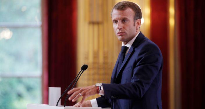 Prezydent Francji Emmanuel Macron przemawia na corocznym spotkaniu z francuskimi ambasadorami w Paryżu