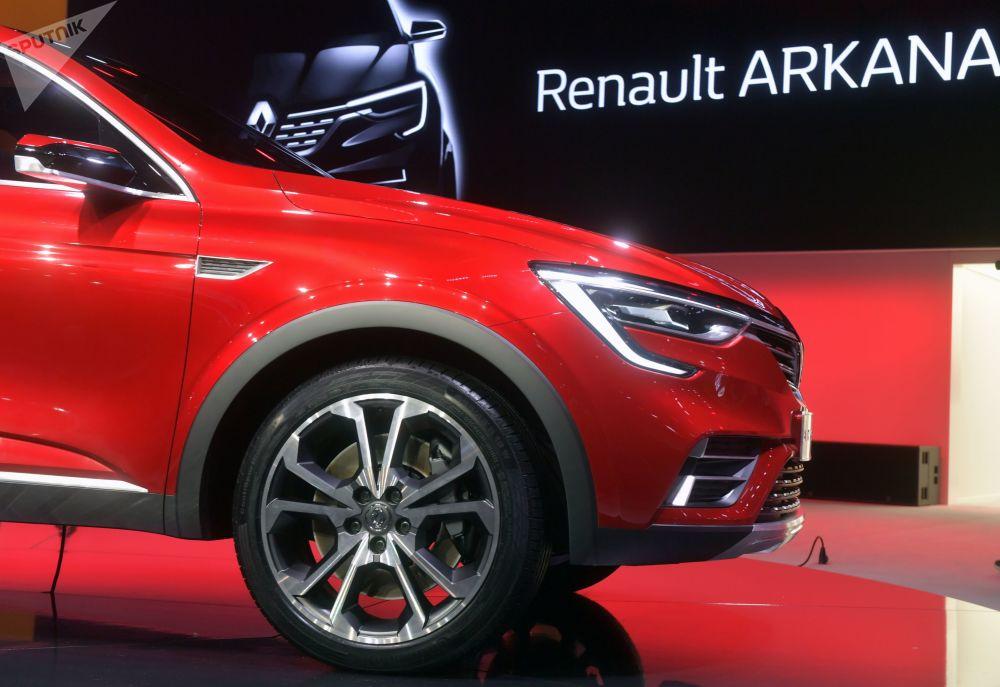 Renault Arkana na Międzynarodowym Salonie Samochodowym w Moskwie