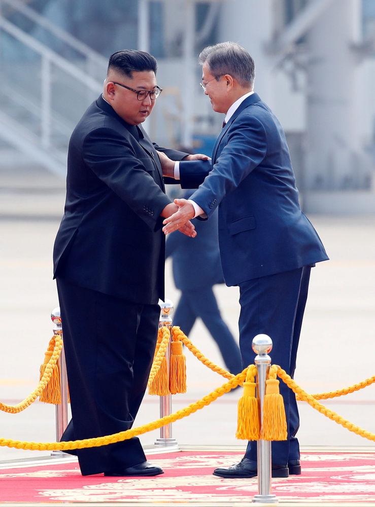 Przywódcy Korei Południowej i Północnej w Pjongjangu