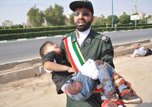 Zamach podczas parady wojskowej w mieście Ahwaz w południowo-zachodnim Iranie