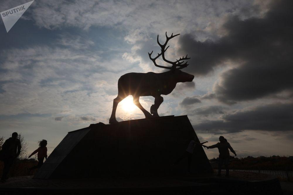 Pomnik renifera w Salechardzie