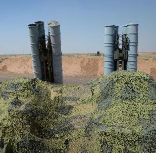 Systemy S-300PS na poliginie Aszuluk w obwodzie astrachańskim