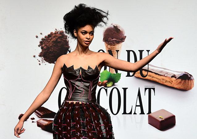 Kreacje z czekolady, pokaz mody w Brukseli