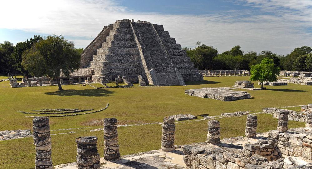 Mayapan. Świątynia Kukulkana na półwyspie Jukatan. Zdjęcie archiwalne
