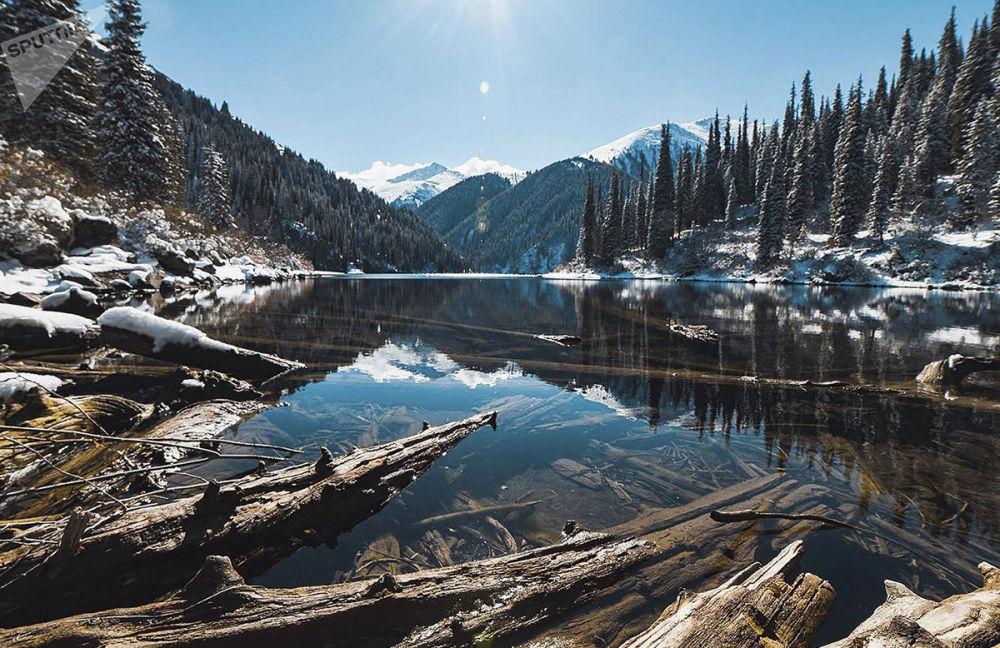 Jeziora Kolsai w Kazachstanie