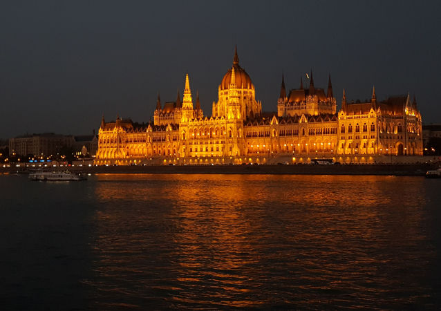 Węgierski parlament w Budapeszcie, Węgry