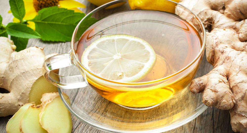 Herbata z cytryną i imbirem