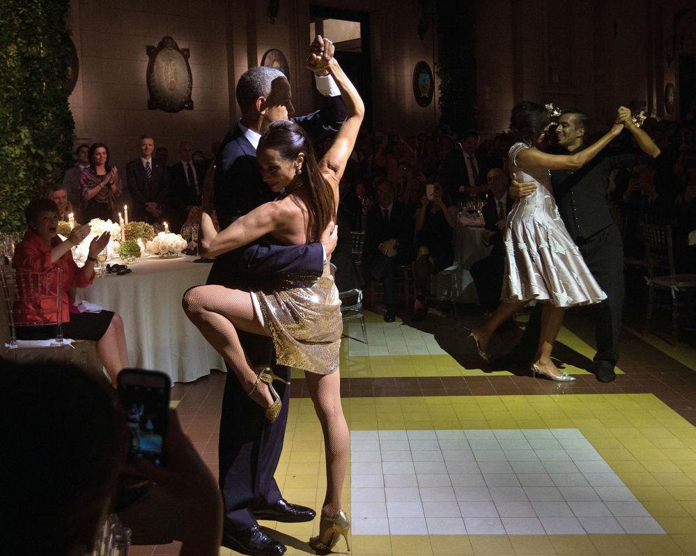 Barack Obama tańczy tango w Buenos Aires