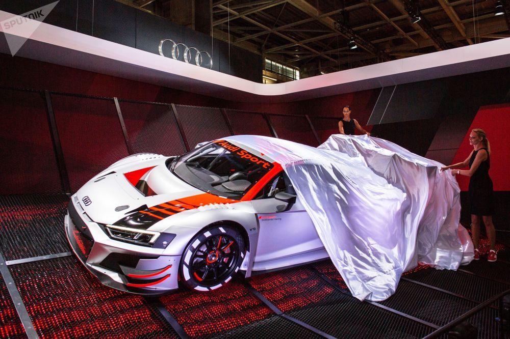 Nowy model Audi Sport na wystawie motoryzacyjnej Mondial de l'Automobile w Paryżu