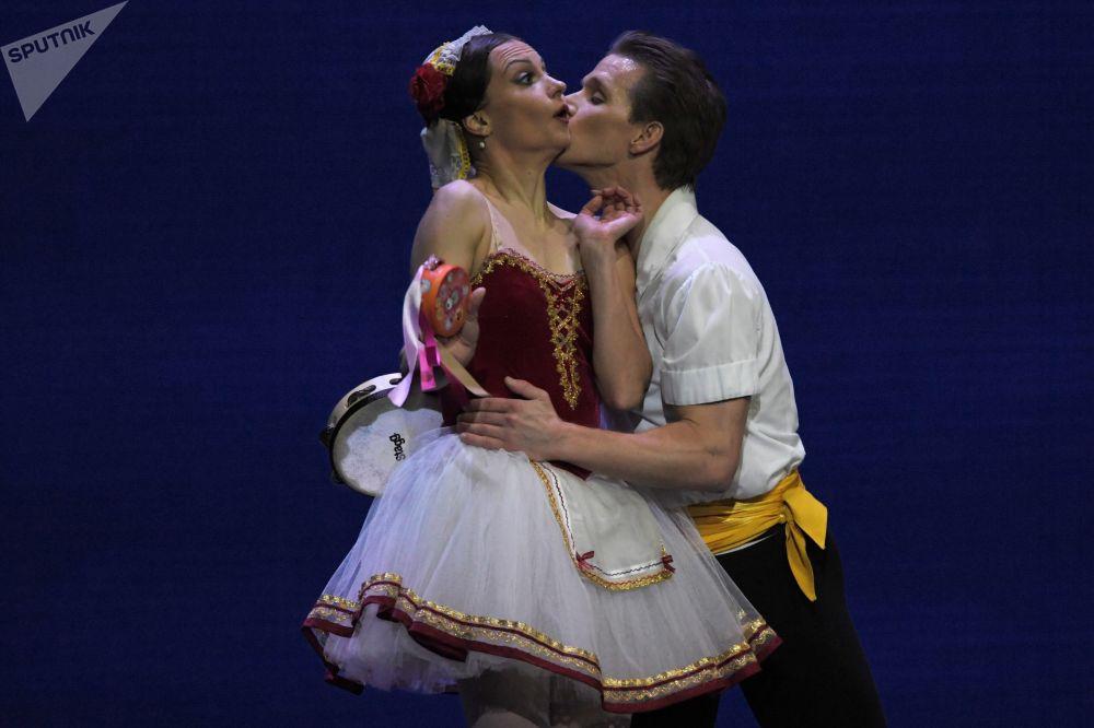 Uczestnicy koncertu galowego w Państwowym Pałacu Kremlowskim Gwiazdy baletu XXI wieku