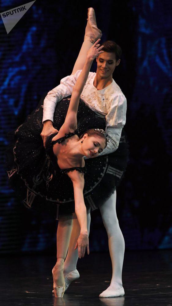 Soliści Teatru Wielkiego podczas koncertu galowego w Państwowym Pałacu Kremlowskim Gwiazdy baletu XXI wieku