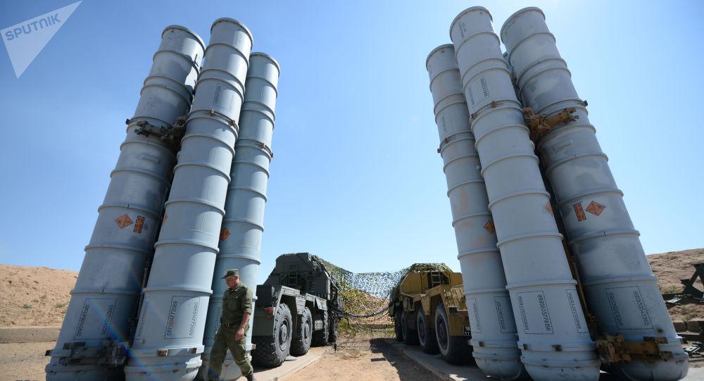 System S-300PS na poligonie Aszułuk w obwodzie astrachańskim