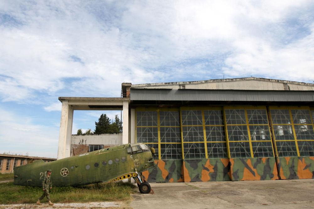 Port lotniczy Kuçova w Albanii