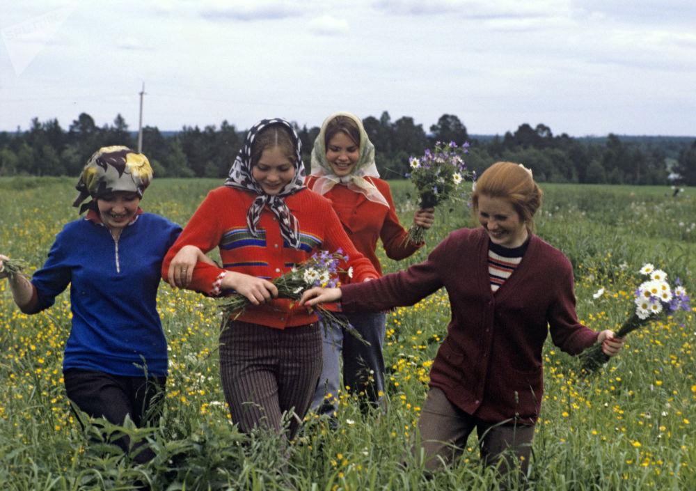 Pracowniczki hodowli bydła pod Kostromą