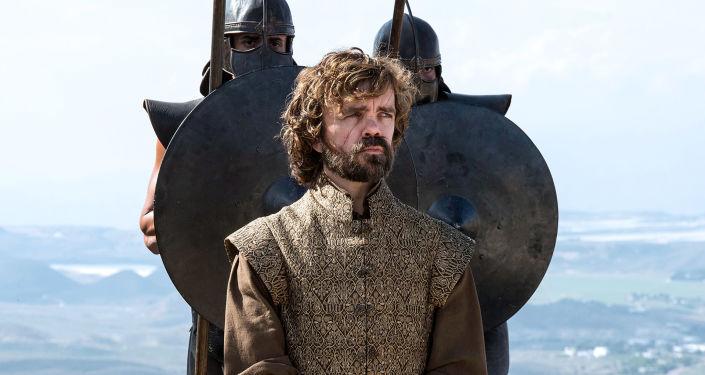 "Aktor Peter Dinklage w postaci Tyriona Lannistera w serialu ""Gra o tron"""
