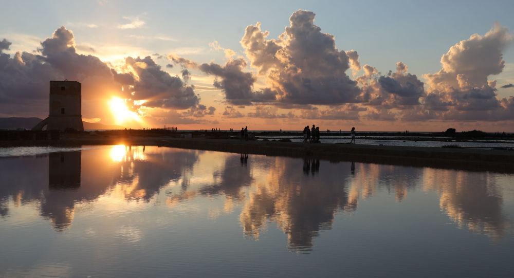 Zachód słońca na Sycylii