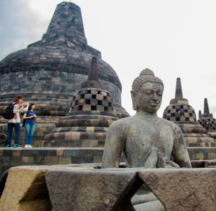 Borobudur: tajemnica wyspy Jawa