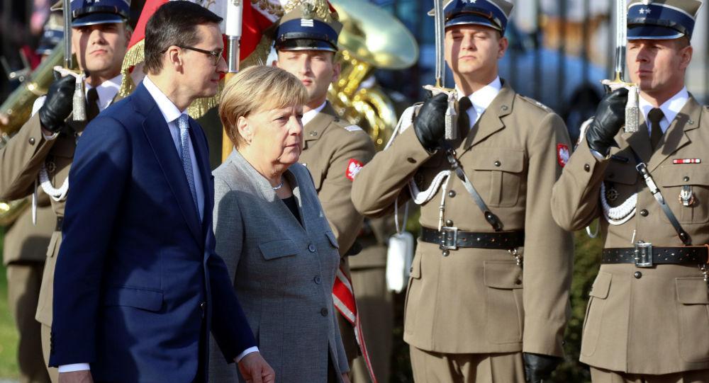 Kanclerz Niemiec Angela Merkel i premier Polski Mateusz Morawiecki podczas wizyty w Warszawie