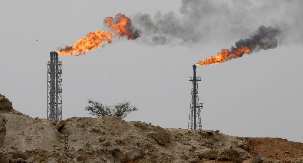 Zakład wydobywający ropę na wyspie Khark w Zatoce Perskiej