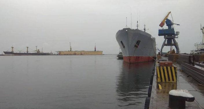 Okręt Marynarki Wojennej Ukrainy w Mariupolu