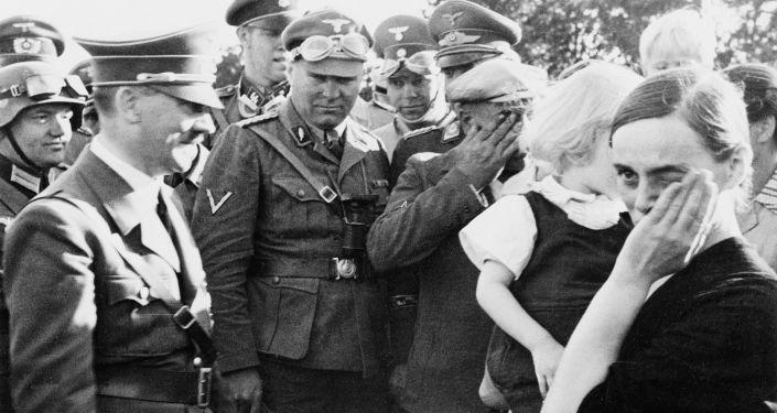 Adolf Hitler w Polsce