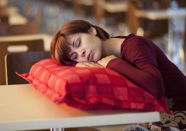 Grupa badaczy z Uniwersytetu Rutgersa w USA wyjaśniła, że zbyt mała ilość snu w przypadku dzieci jest szkodliwa dla zdrowia.