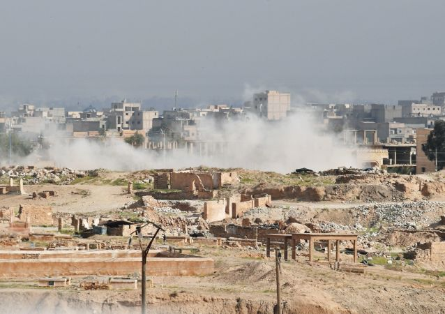 Dym nad Dajr az-Zaur. Zdjęcie archiwalne