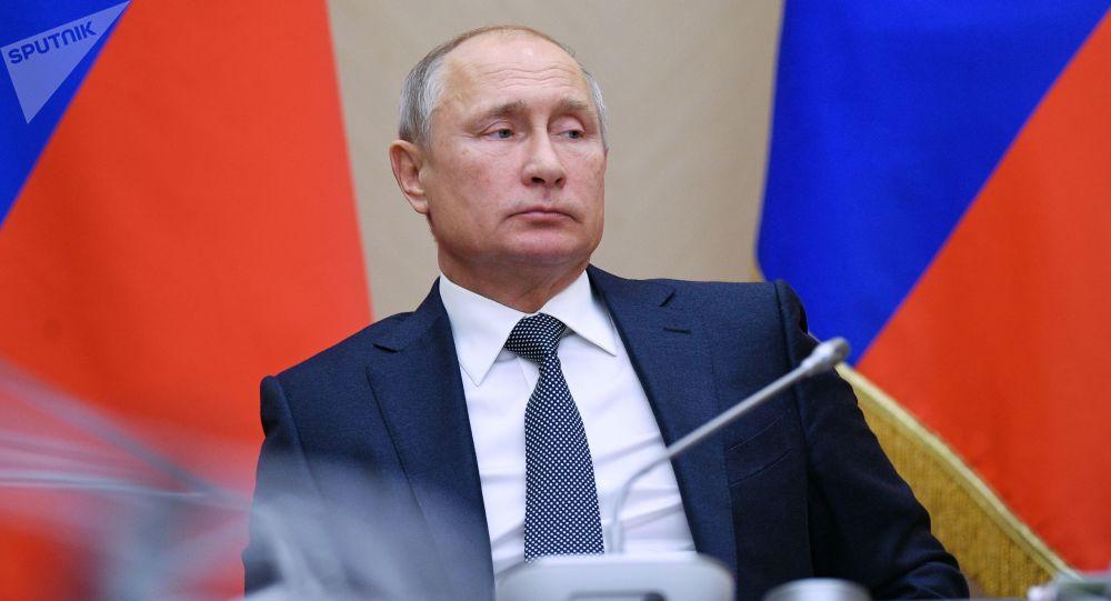 Prezydent Rosji Władimir Putin na spotkaniu z członkami rządu Federacji Rosyjskiej