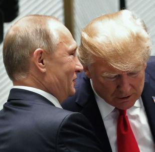 Władimir Putin i Donald Trump na szczycie APEC