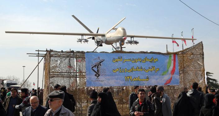 Irański dron Shahed 129 podczas uroczystości w Teheranie