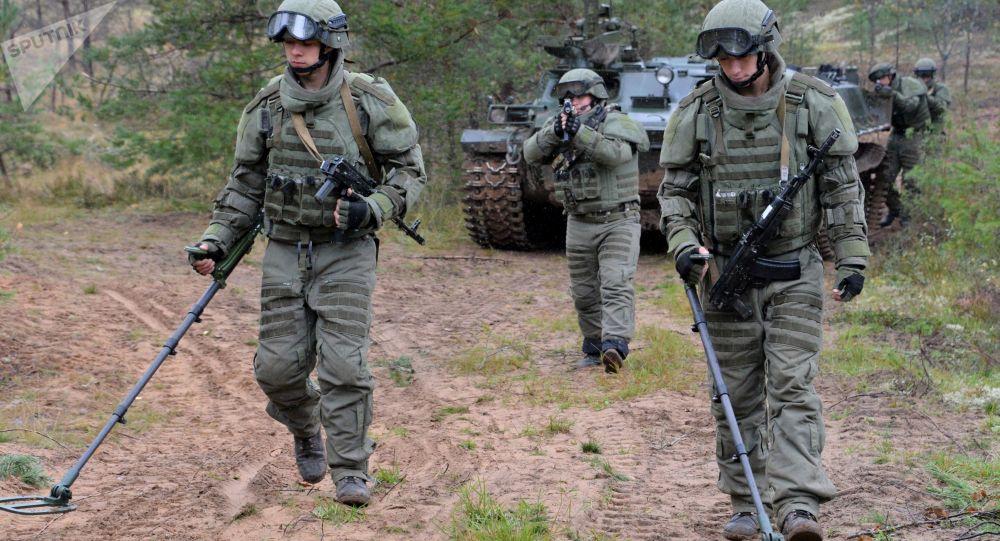 Wojskowi szturmowej jednostki inżynieryjno-saperskiej rosyjskich sił zbrojnych