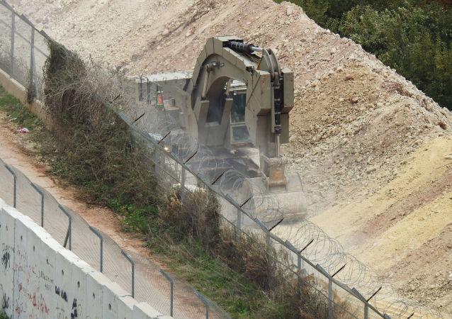 Izraelski sprzęt na granicy Izraela i Libanu