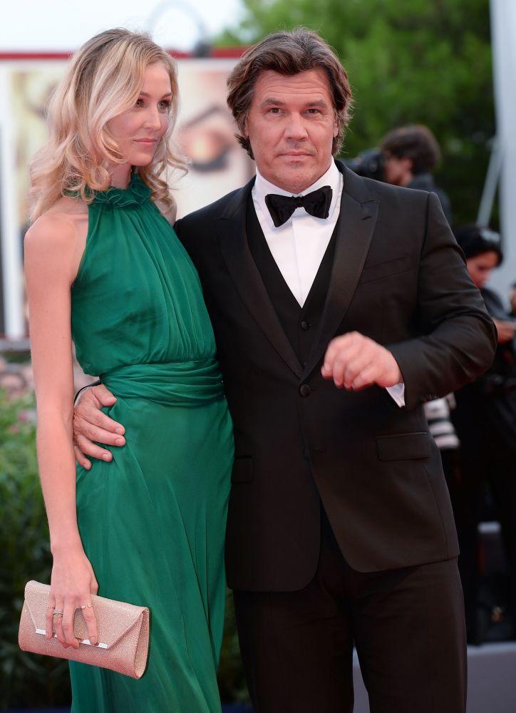 Amerykańskie aktorzy Kathryn Boyd  i Josh Brolin podczas ceremonii otwarcia 72. Międzynarodowego Festiwalu Filmowego w Wenecji