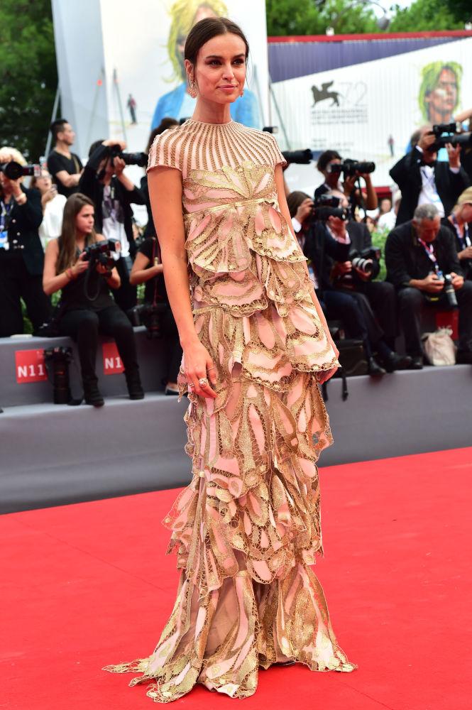 Polska modelka i aktorka Kasia Smutniak podczas ceremonii otwarcia 72. Międzynarodowego Festiwalu Filmowego w Wenecji