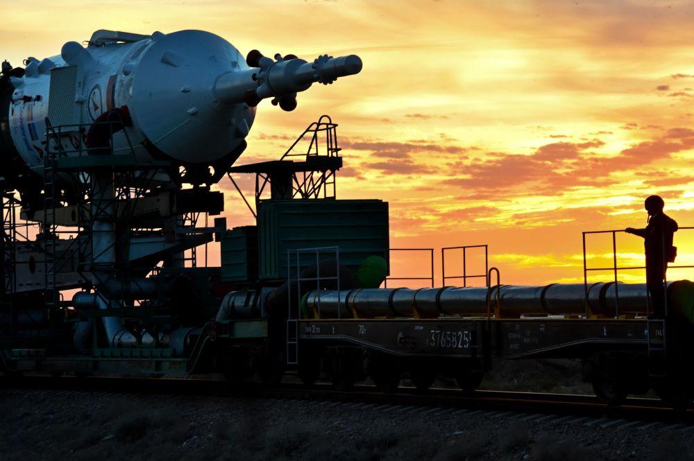 Przygotowania do uruchomienia rosyjskiej rakiety nośnej Sujuz-FG