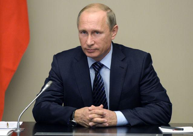 Prezydent Rosji Władimir Putin na posiedzeniu Rady Bezpieczeństwa Rosji