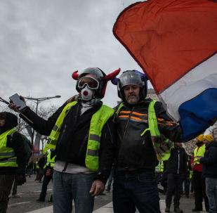 Protesty żółtych kamizelek we Francji