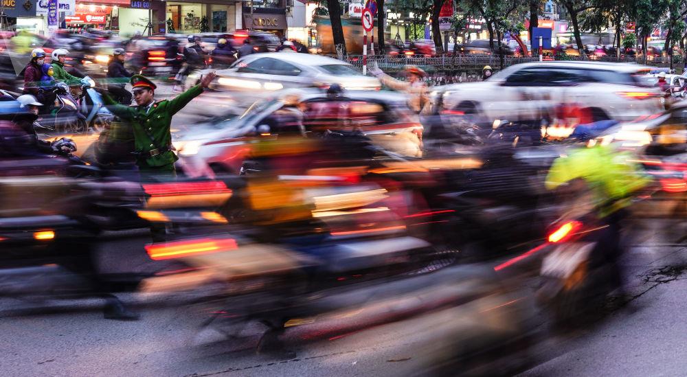 Ruch drogowy w Hanoi, Wietnam