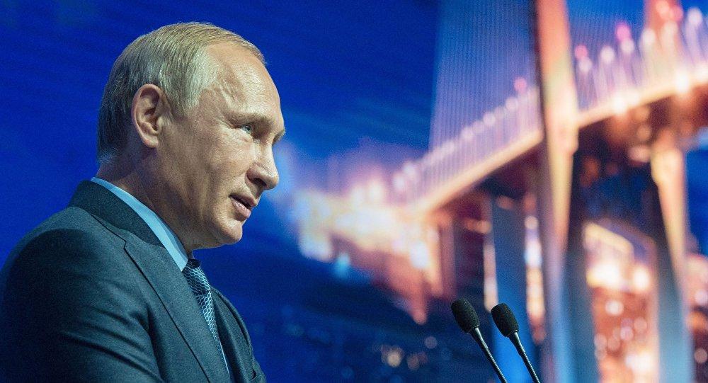 Prezydent Rosji Władimir Putin na otwarciu Wschodniego Forum Ekonomicznego we Władywostoku