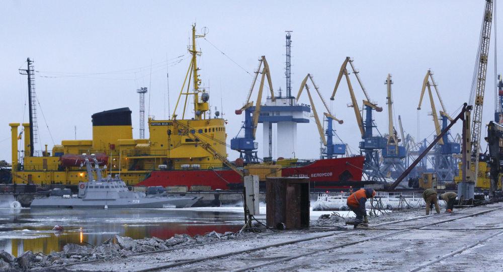 Widok na port Mariupola