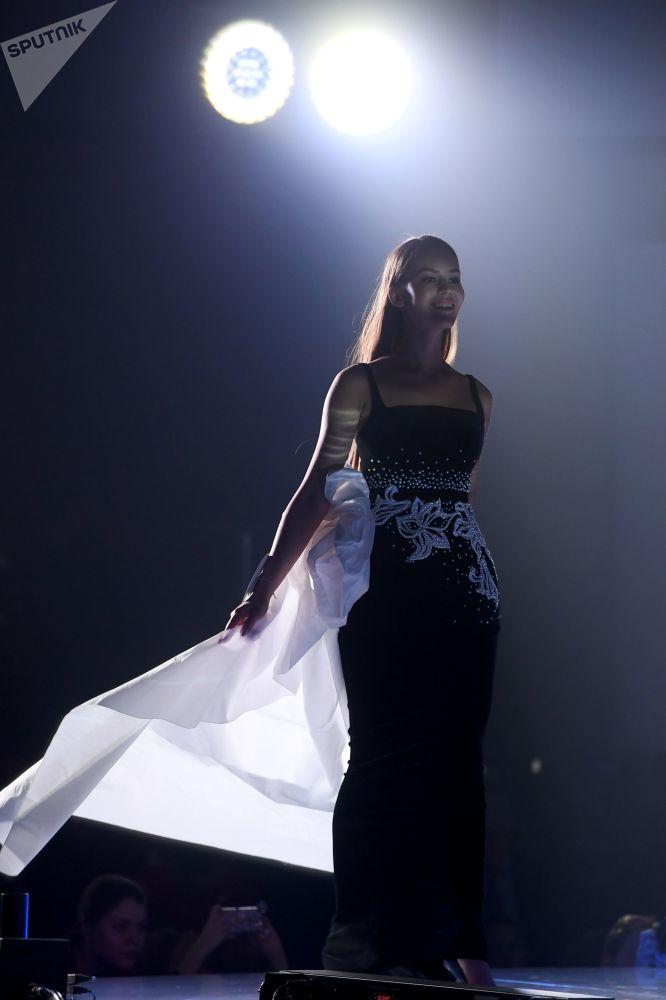 Uczestniczka konkursu piękności Miss Tatarstanu 2019